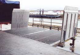 Table de quai poste fixe for Exterieur quai
